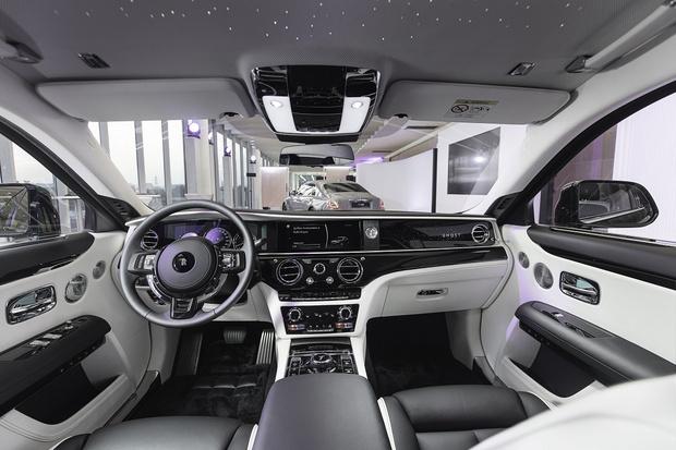 Фото №2 - Минимализм, сдержанность и чистый дизайн:Rolls-Royce Ghost дебютирует в России