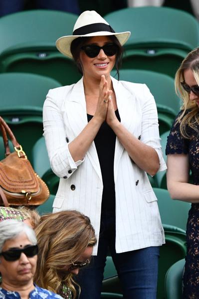 Фото №3 - Замашки рок-звезды: Меган Маркл требовала, чтобы ее не снимали посетители Уимблдона
