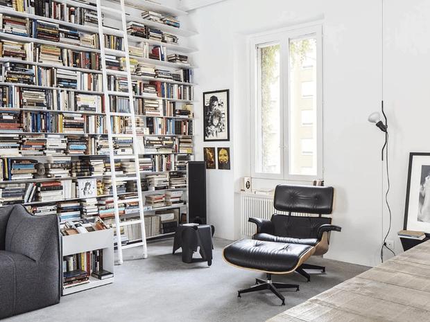 Фото №2 - Светлая квартира писателя в центре Милана