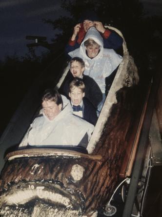 Фото №3 - Совсем не весело: почему совместные вылазки с Дианой и Гарри расстраивали Уильяма