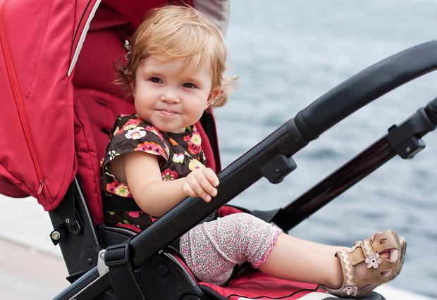 Фото №1 - Долго сидеть в коляске вредно для ребенка