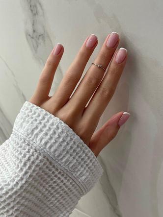 Фото №1 - 45 идей маникюра на короткие ногти