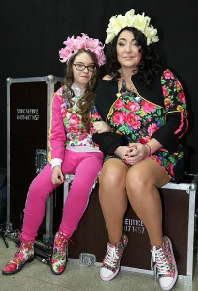 Неделя моды: Лолита с дочкой Евой, фото