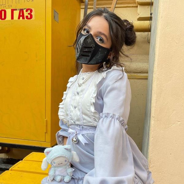 Фото №1 - Амина Tenderlybae выложила фото в милом платье с рюшами и оборками 🌸
