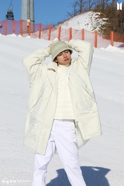 Фото №32 - Снежные ангелы: Big Hit Entertainment выложил 65 новых фото BTS 😍
