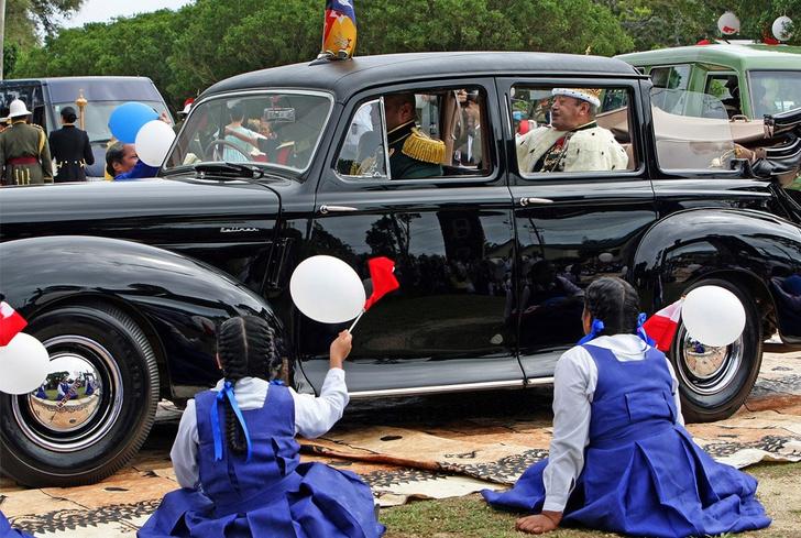 Фото №7 - Необычные автомобили, на которых передвигаются главы государств