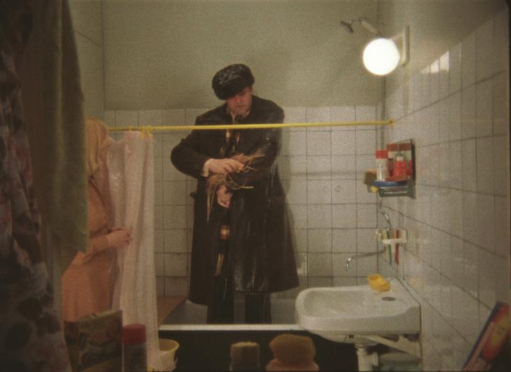 Фото №5 - Искусственный снег, 40-летняя бабушка и самая вкусная овсянка: факты о любимых советских фильмах, которые вы не знали