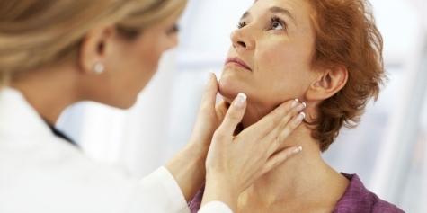 Фото №1 - 9 эффективных способов облегчить боль при ларингите