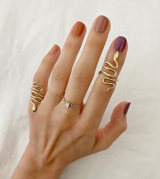 Фото №3 - Янтарная осень: идеи маникюра, макияжа и окрашивания в самом модном оттенке сезона