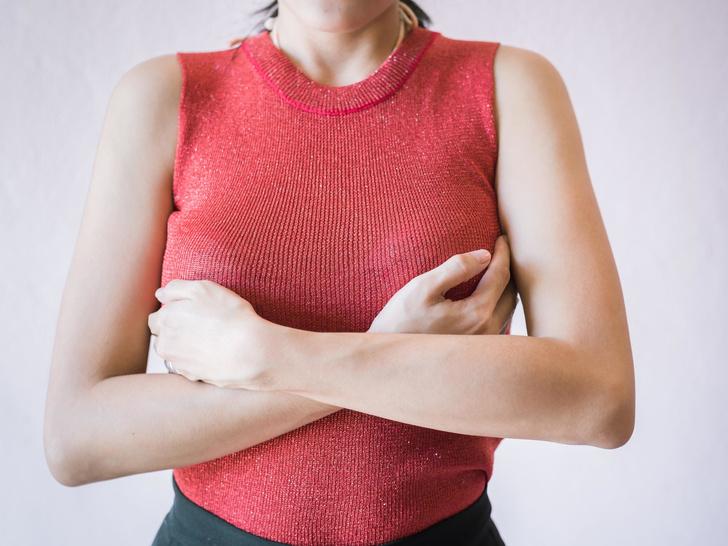 Фото №3 - 4 простых упражнения для красивой и подтянутой груди