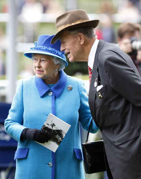 Фото №1 - За потерей потеря: в день похорон Филиппа умер еще один близкий для королевы человек