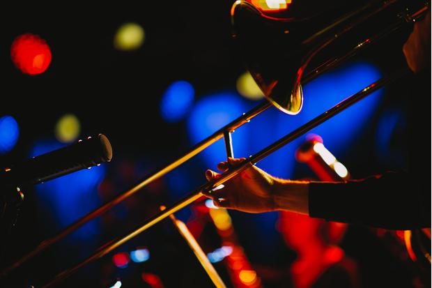 Фото №3 - Какой ты музыкальный инструмент по знаку зодиака 🎸