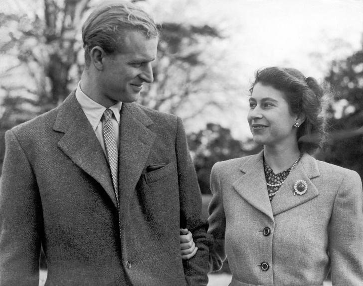 Фото №1 - С любовью, Лилибет: трогательная прощальная записка Королевы принцу Филиппу