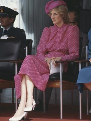 Фото №7 - От персикового до фуксии: как принцесса Диана носила розовый цвет (и почему он ей так шел)