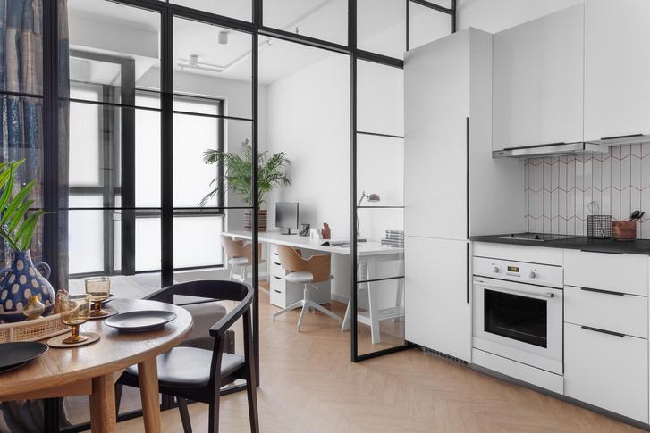 Фото №4 - Яркая квартира 30 м² для молодой пары, работающей из дома