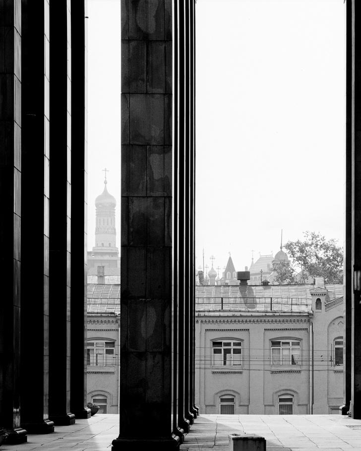 Фото №1 - Выставка «Ордер» в галерее Flor et Lavr