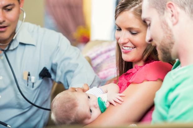 Фото №1 - Самый первый визит малыша в поликлинику