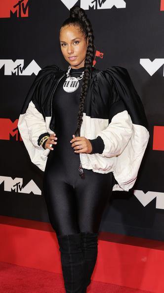 Фото №23 - Премия MTV VMA 2021: лучшие, худшие и самые яркие образы церемонии