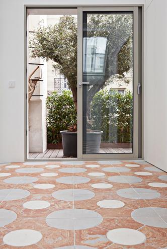 Фото №8 - Среда обитания: квартира галеристки Амели дю Шарлар в Париже