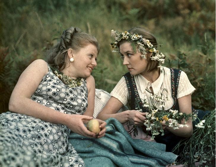 Фото №2 - Искусственный снег, 40-летняя бабушка и самая вкусная овсянка: факты о любимых советских фильмах, которые вы не знали