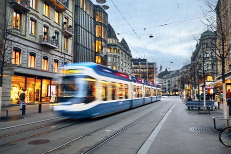 Фото №2 - Тест: Выбери трамвай, а мы скажем, куда ты на нем уедешь 🚊