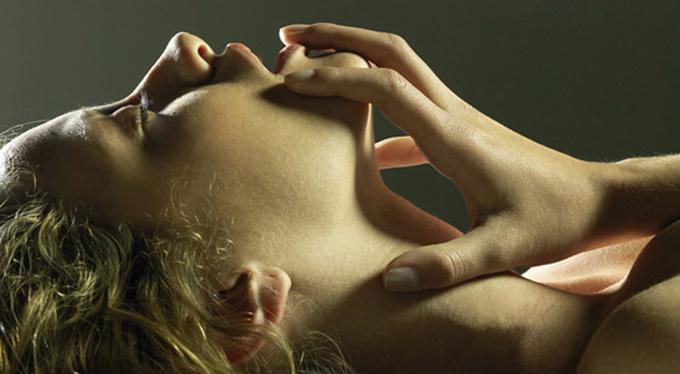 Доброжелательный сексизм: убеждения, которые мешают женщине испытать оргазм