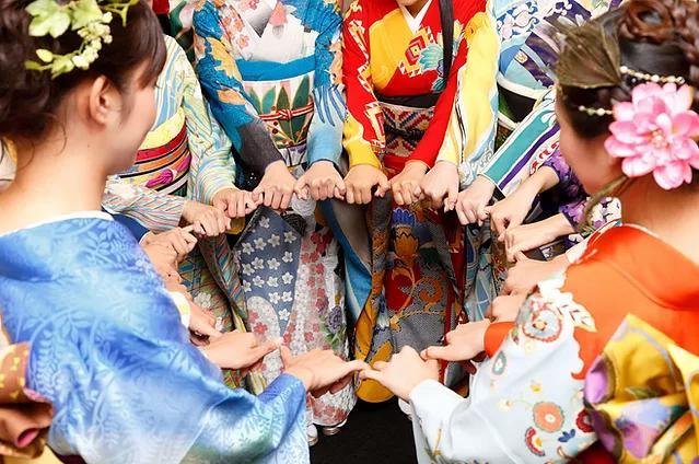 Фото №1 - Олимпиада в Токио 2020: кимоно для стран-участниц