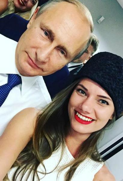 Фото №1 - Финалистка конкурса «Мисс Россия» сделала селфи с Путиным