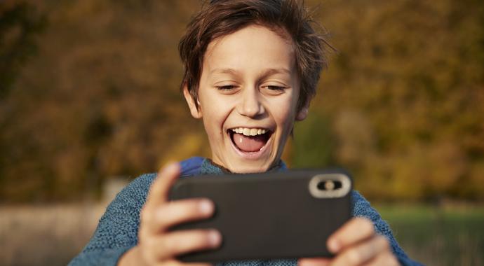 Сын потратил $1800 в мобильной игре — отцу пришлось продать машину