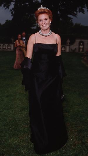 Фото №14 - Особая стать: самые эффектные выходы Сары Фергюсон в ее любимой тиаре