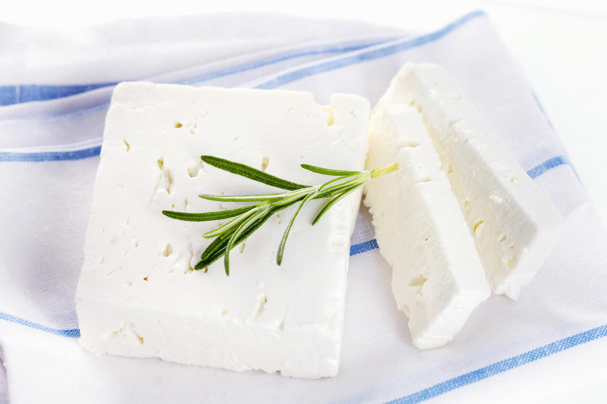 Сыр а-ля Фета в домашних условиях.
