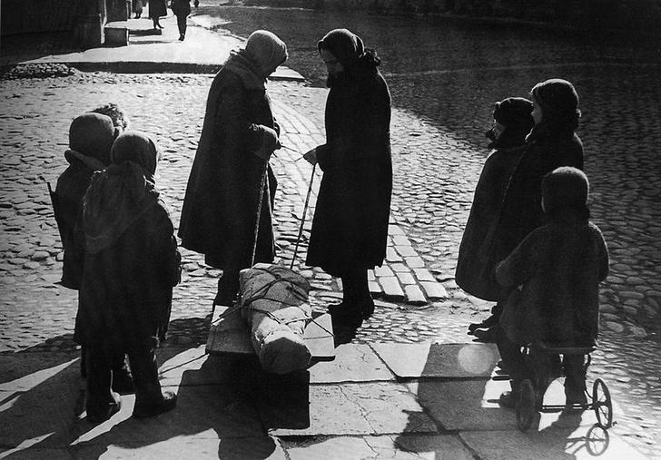 Фото №1 - Диагноз— блокада: как голод, пережитый ленинградцами, повлиял на здоровье их потомков