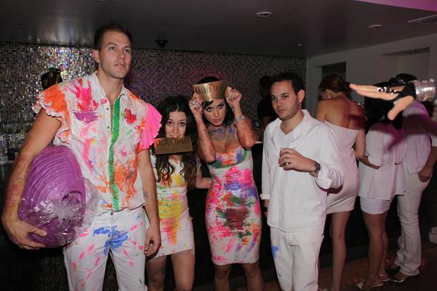 Фото №34 - Самые стильные наряды на вечеринках!