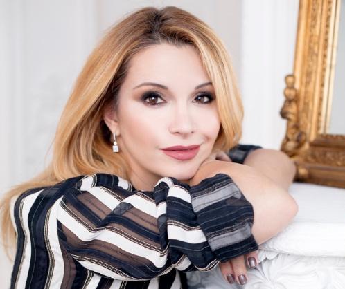 Фото №2 - Ольга Орлова: «Женщины, как дорогое вино, с каждым годом обретают те нотки, которые не могут иметь девушки в 25 лет»
