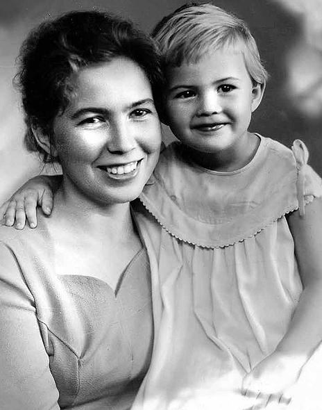 Фото №7 - Женщина с огромным сердцем и нелегкой судьбой: все о Раисе Горбачевой — единственной официальной первой леди СССР