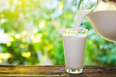 Фото №2 - Пить или не пить? 7 фактов о пользе молочных продуктов
