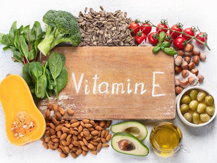 Фото №3 - 6 витаминов, которые опасно принимать без назначения врача