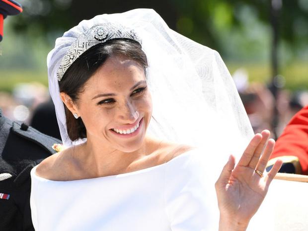 Фото №1 - Вдохновилась: чье свадебное платье на самом деле скопировала герцогиня Меган