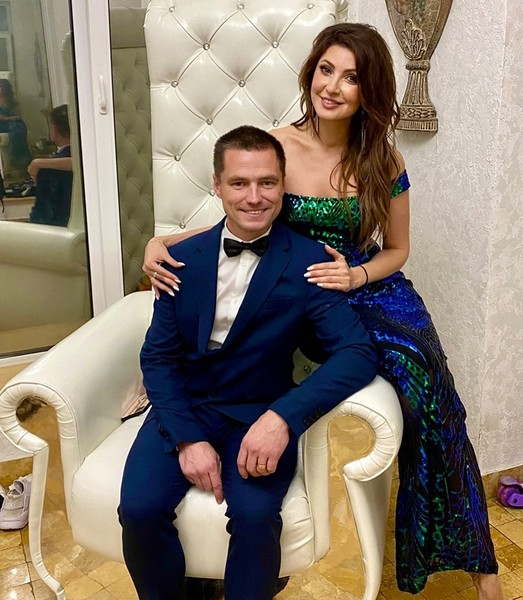 Фото №1 - Анастасия Макеева все-таки вышла замуж за Романа Малькова