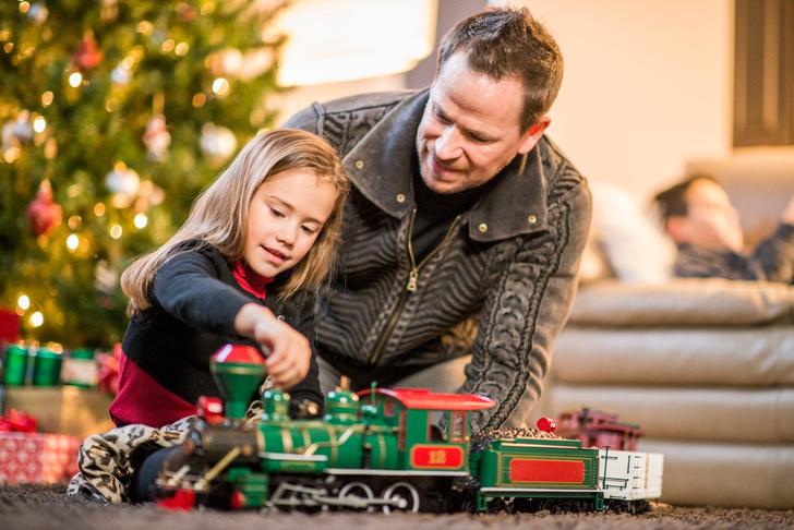 Фото №2 - Как научить малыша ценить подарки и радоваться им?