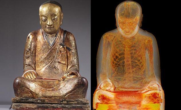 Фото №2 - 9 странных предметов, найденных внутри статуй