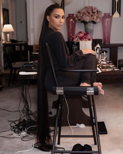 Фото №3 - Узнай, какой макияж Ким Кардашьян скрывала под маской на Met Gala 2021 👀