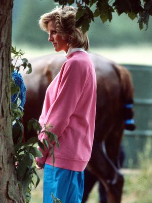 Фото №18 - В ожидании принцев: 10 самых стильных образов беременной Дианы