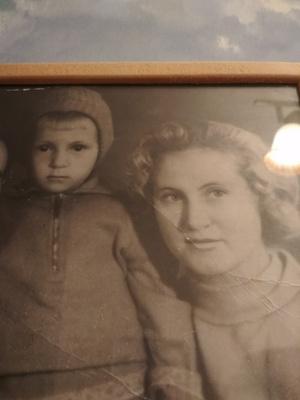 Фото №23 - Правда ли, что дочки становятся копиями своих мам: 15 фото тогда и сейчас