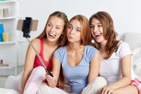 Фото №2 - Айфоны, шопинг-карты и билеты... Учимся выигрывать конкурсы!