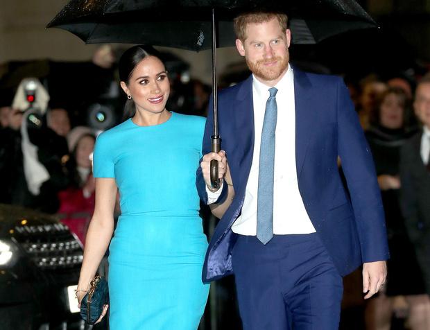 Фото №1 - Герцог и герцогиня Гринч: 7 раз, когда Сассекские пытались «украсть шоу» у королевской семьи