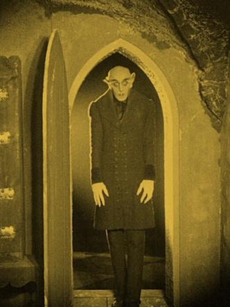 Фото №3 - Аня Тейлор-Джой сыграет в ремейке культового хоррора о вампирах 😍