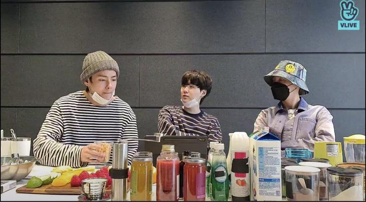 Фото №1 - BTS поделились впечатлениями от нового здания Big Hit 🤩