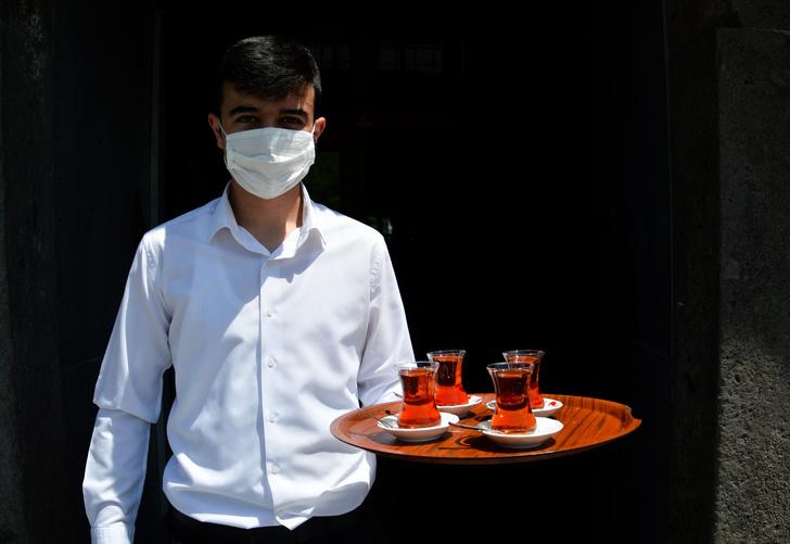 Фото №2 - Официанта турецкого отеля обвинили в изнасиловании 15-летней россиянки