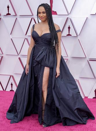 Фото №38 - «Оскар-2021»: лучшие образы церемонии награждения